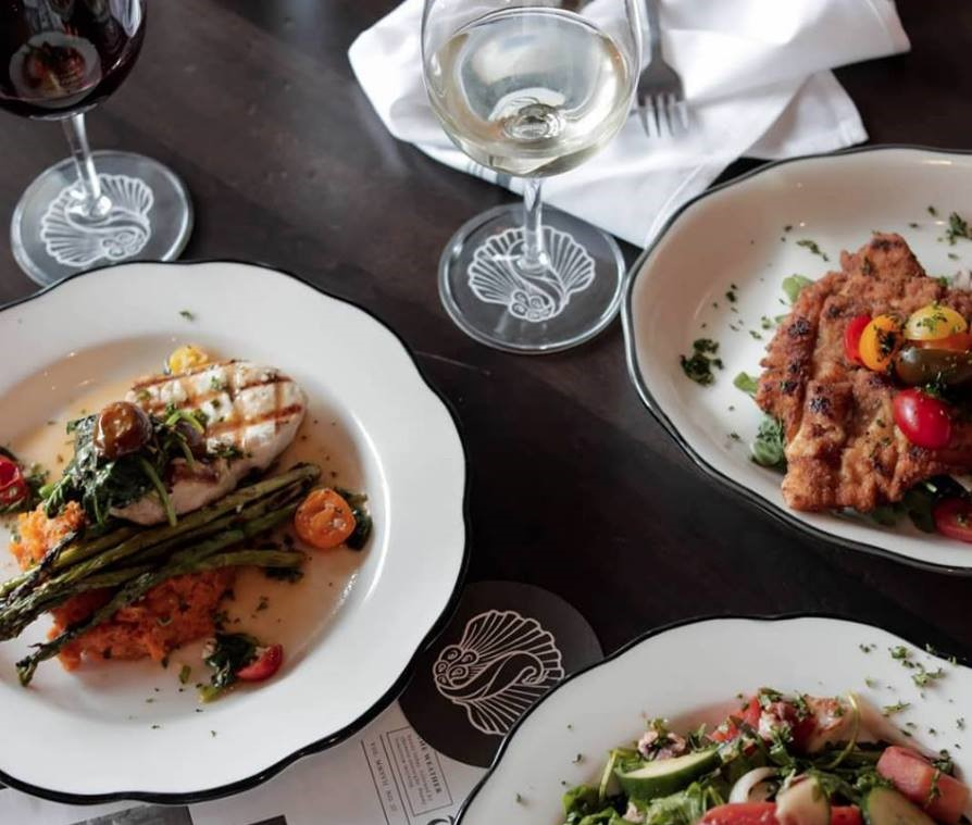 Dining at St. Armand's Circle in Lido Key